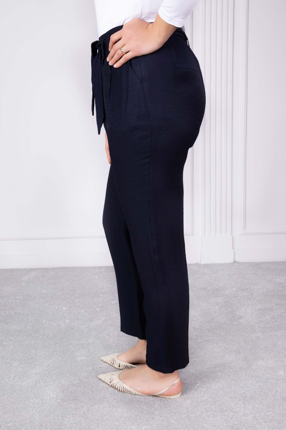 Kuşak Ve Pili Detaylı Pantolon Lacivert 1190-76